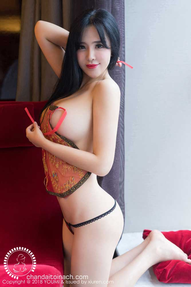 Busty Model Liu Yuer Wearing Chinese Costume with big breast